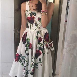 Dresses & Skirts - Rose Print Midi Dress 🌹